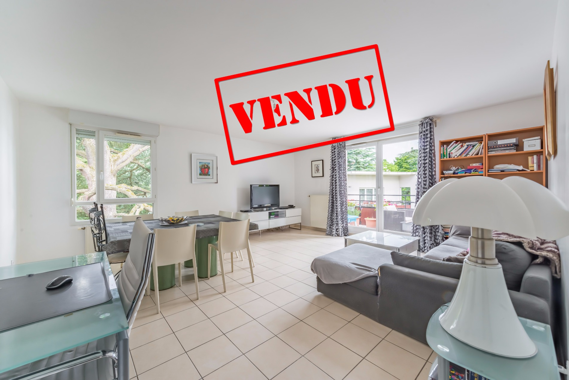 Immobilier oullins location et vente appartement et for Piscine oullins